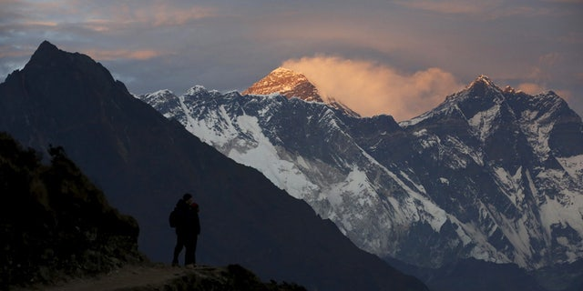 The death of Min Bahadur Sherchan has revived concerns about letting the elderly scale Everest.