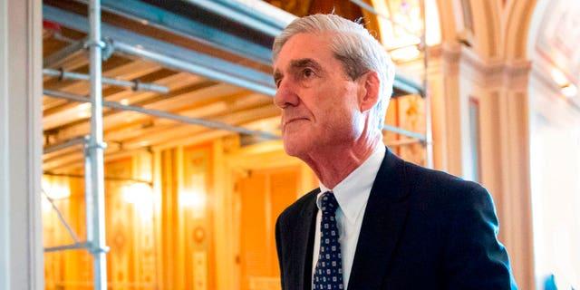 El fiscal especial Robert Mueller, quien investiga la injerencia rusa en las elecciones estadounidenses, en la sede del Congreso en Washington el 21 de junio del 2017.  (AP Photo/J. Scott Applewhite, File)
