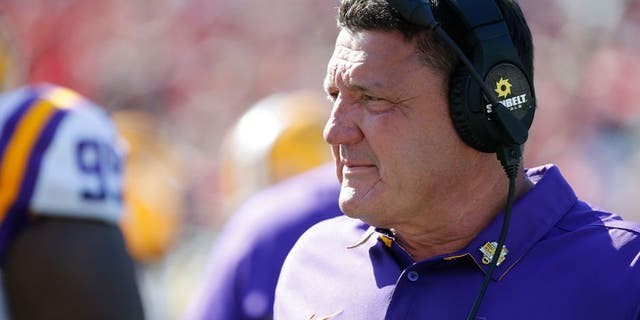 LSU Tigers head coach Ed Orgeron during the second half at Camping World Stadium on Dec 31, 2016. Mandatory Credit: Kim Klement-USA TODAY Sports