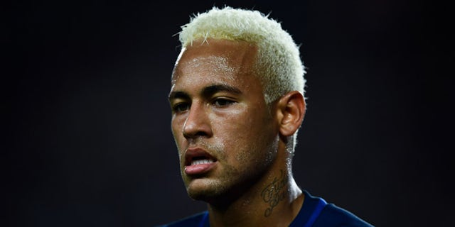 BARCELONA, SPAIN - SEPTEMBER 10:  Neymar Jr. of FC Barcelona looks on during the La Liga match between FC Barcelona and Deportivo Alaves at Camp Nou stadium on September 10, 2016 in Barcelona, Spain.  (Photo by David Ramos/Getty Images)