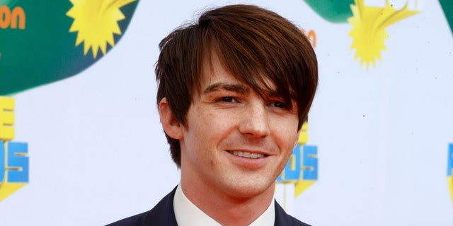 Actor Drake Bell poses at the 2011 Nickelodeon Kids Choice Awards in Los Angeles,California April 2, 2011.