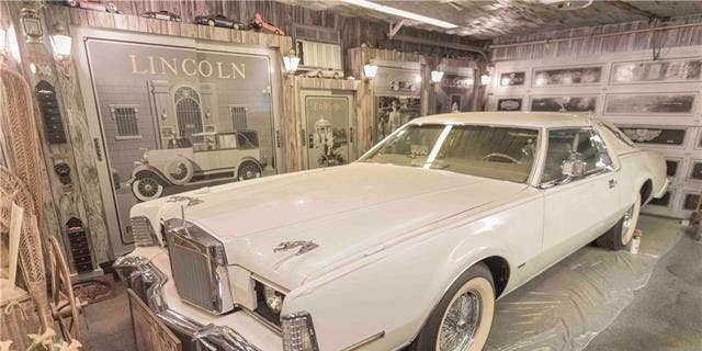A custom-built 1966 Cadillac Fleetwood Sedan, and a custom-built 1974 Lincoln Mark IV Coupe are also part of the home's price tag.