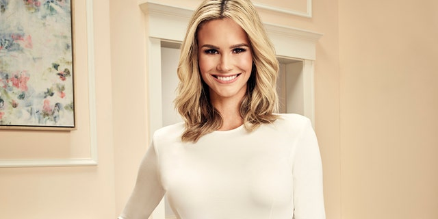 Meghan King Edmonds seen without wedding ring amid husband