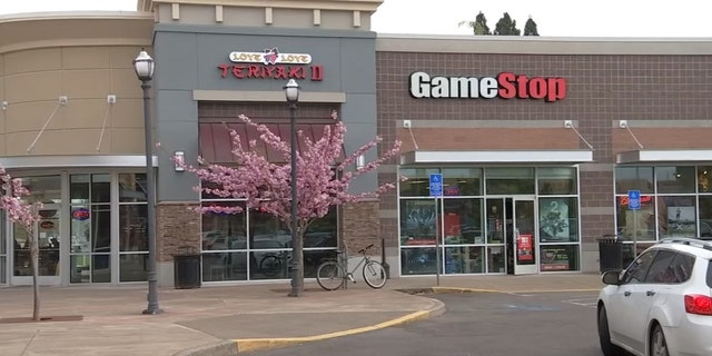 The GameStop location in Keizer, Oregon where a deputy and two citizens helped save a life.