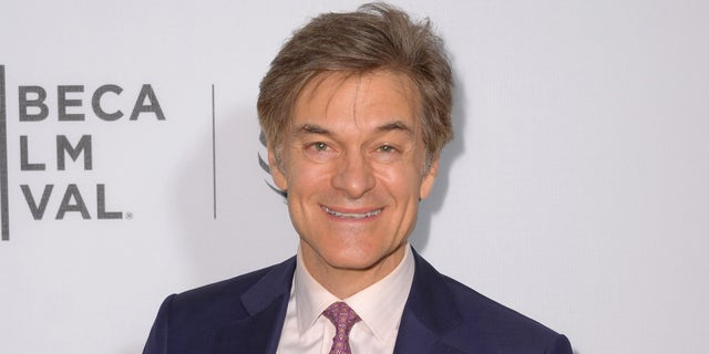 """NEW YORK, NY - APRIL 18:  Dr. Mehmet Oz attends the """"Equals"""" premiere during the 2016 Tribeca Film Festival at John Zuccotti Theater at BMCC Tribeca Performing Arts Center on April 18, 2016 in New York City.  (Photo by Andrew Toth/Getty Images)"""