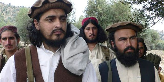 Taliban chief Hakimullah Mehsud with Taliban fighters in 2009.