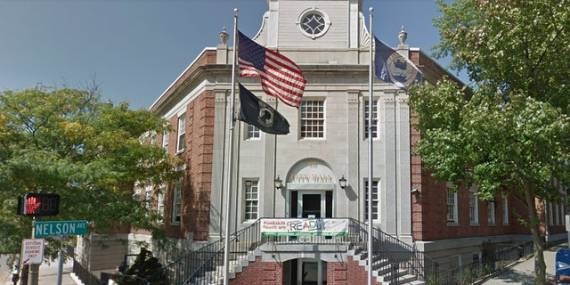 Peekskill Councilwoman Vanessa Agudelo is under fire for refusing to say the Pledge of Allegiance at their public meetings.