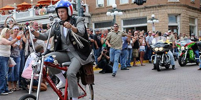 Actor Paul Reubens is reintroducing Pee-wee -- his alter ego and 1980s cult character.