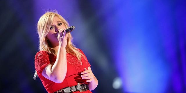 US singer Kelly Clarkson performs during the 2013 CMA Music Festival on June 8, 2013 at LP Field in Nashville, Tennessee. The British government has blocked Clarkson from taking a ring once owned by author Jane Austen out of the country, a minister said on Thursday.