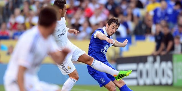 Leighton Baines of Everton at Dodger Stadium in Los Angeles on August 3, 2013. Everton manager Roberto Martinez said on Wednesday that he does not expect Premier League rivals Manchester United to submit another bid for Baines.