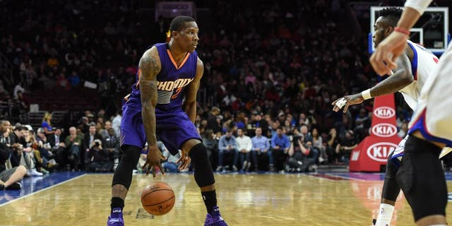 Nov 21, 2014; Philadelphia, PA, USA; Phoenix Suns guard Eric Bledsoe (2) dribbles the ball during the second quarter of the game against the Philadelphia 76ers at the Wells Fargo Center. Mandatory Credit: John Geliebter-USA TODAY Sports