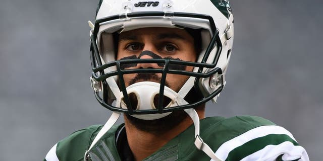 Oct 26, 2014; East Rutherford, NJ, USA; New York Jets wide receiver Eric Decker (87) during warm ups before the game against the Buffalo Bills at MetLife Stadium. Buffalo Bills defeated New York Jets 43-23. Mandatory Credit: Tommy Gilligan-USA TODAY Sports