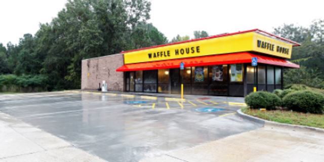 A woman who visited a Waffle House in Georgia has alleged the restaurant served her a drink with bleach in it.