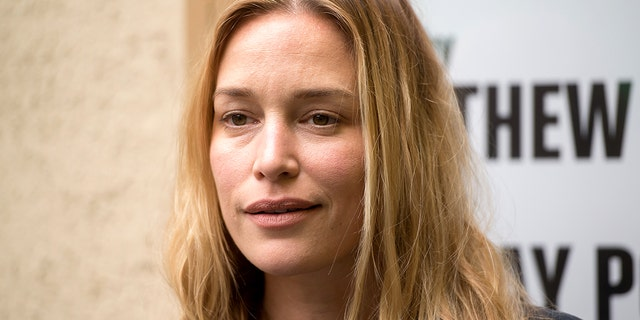 Piper Perabo claims she was arrested while protesting the Kavanaugh hearings.