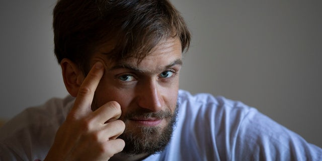 Pyotr Verzilov, a member of the feminist protest group Pussy Riot, has regained consciousness after a suspected poisoning.