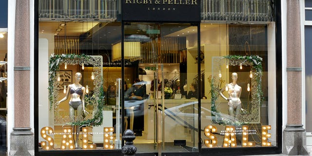Rigby & Peller is no longer allowed to display the royal coat of arms, confirmed the director of royal warrants at the Royal Warrants Holders Association.