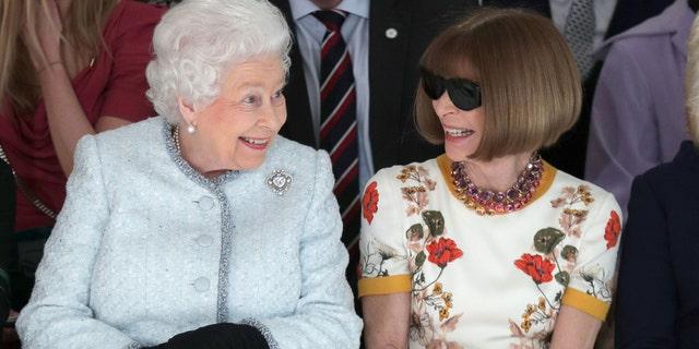 Queen Elizabeth II and Wintour at the Richard Quinn fashion fashion during London Fashion Week 2018.