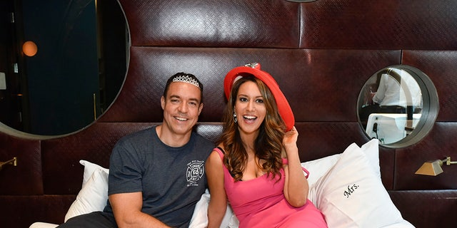 Comedian Rachel Feinstein talks to Fox News about marrying a NYFD captain and why she chose pal Amy Schumer to be her maid of honor