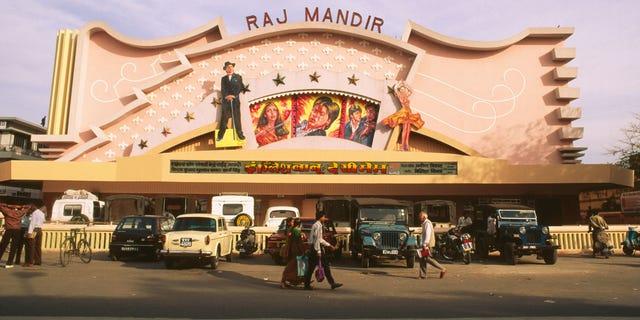 CE75M6 NMK-84696 : Raj mandir theatre cinema hall place of city sightseeing jaipur rajasthan india
