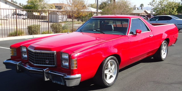Unlike the new pickup, the 1979 Ford Ranchero used body-on-frame construction.