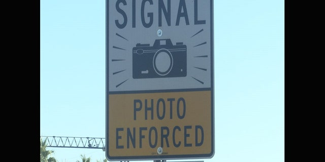 Red-light cameras come under fire, at least 7 states trying