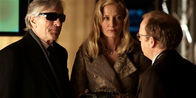 """This film image released by Millennium Entertainment shows, from left, Robert De Niro, Joely Richardson and Toby Jones in a scene from """"Red Lights."""" (AP Photo/Millennium Entertainment)"""