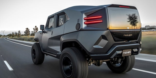 Rezvani Tank Is The Modern Wrangler That Jeep Wonu0027t Build