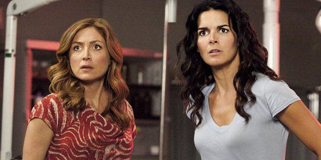 Sasha Alexander and Angie Harmon star in 'Rizzoli & Isles.'