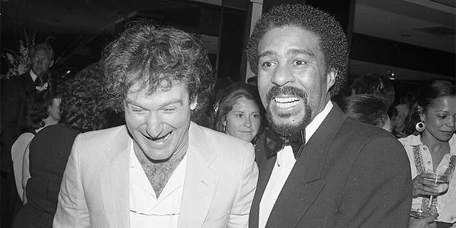 Robin Williams with fellow comedian Richard Pryor.