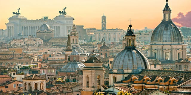 Wanna travel to Rome? You might be able to find a cheaper option than you think.