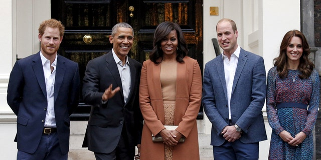 Prince Harry, Barack Obama, Michelle Obama, Prince William and Duchess Kate Middleton together at Kensington Palace in 2016.