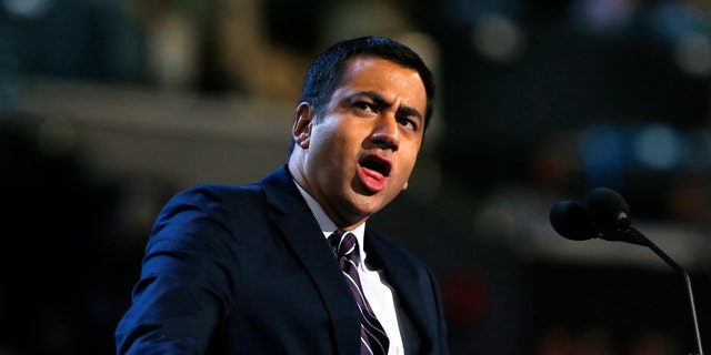 """Actor-turned-political officer Kal Penn won Fox's """"MasterChef Celebrity Showdown"""" and will be donating his money to Palestinian refugees."""