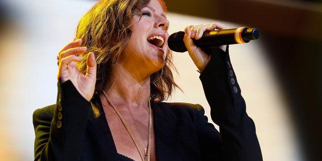 Singer Sarah McLachlan performs at the Walmart annual shareholders meeting in Fayetteville, Arkansas June 6, 2014. REUTERS/Rick Wilking (UNITED STATES - Tags: BUSINESS ENTERTAINMENT) - RTR3SKDQ