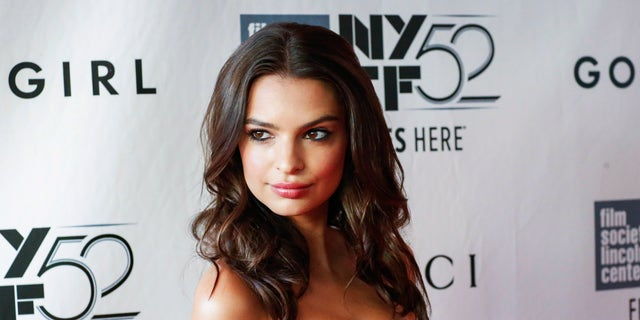 "Model Emily Ratajkowski attends the 52nd New York Film Festival opening night gala presentation of the movie ""Gone Girl"" at Alice Tully Hall in New York September 26, 2014. REUTERS/Eduardo Munoz (UNITED STATES - Tags: ENTERTAINMENT) - RTR47W1V"