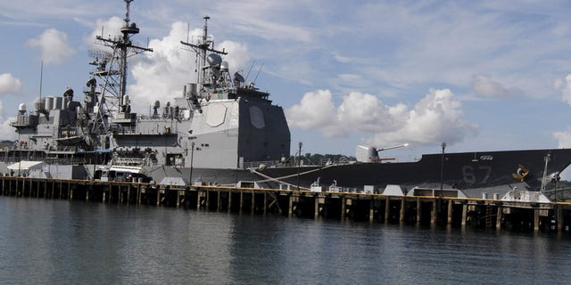 The USS Shiloh (CG-67), a U.S. Navy guided-missile cruiser, is docked at a port along Subic Bay, Zambales province, north of Manila, Philippines May 30, 2015.