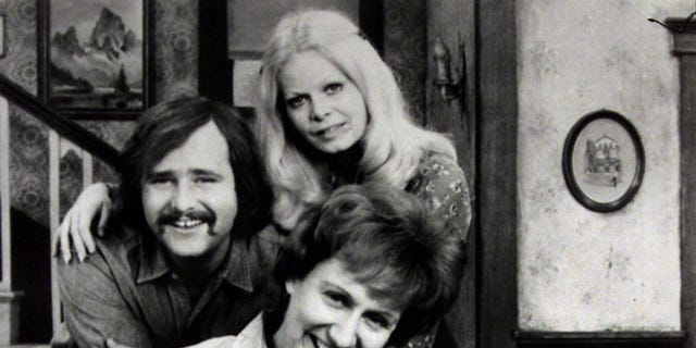 Rob Reiner as Michael, Archie's son-in-law; Sally Struthers as Gloria, Archie's daughter; and Jean Stapleton as Edith, Archie's wife.  AL - RTRJULP