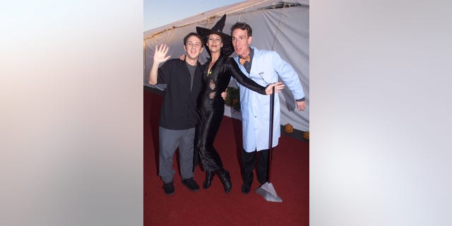 """Actress Jamie Lee Curtis (C) poses with Steve Burns (L) of """"Blues Clues"""" and Bill Nye """"The Science Guy"""" during a Dream Halloween party where many children affected by AIDS were in attendance, October 30 in Santa Monica. The event was a fund raiser sponsored by Children Affected By AIDS Foundation, which funds and supports non-profit direct services to children affected by HIV/AIDS.  RMP/HB - RTRRXTS"""