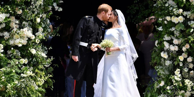 The flower arrangements from the royal wedding was given to charities after Saturday's ceremony.