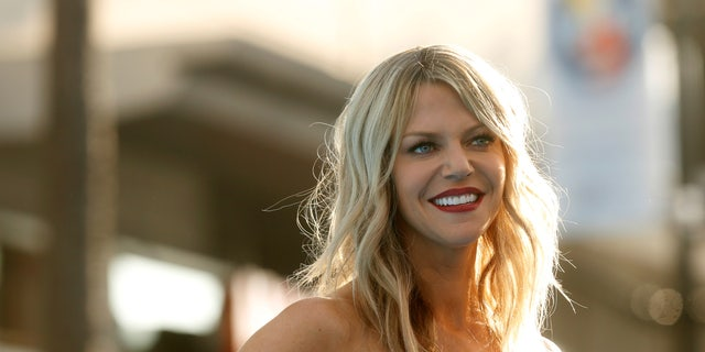 """Cast member Kaitlin Olson poses at the premiere of """"Finding Dory"""" at El Capitan theatre in Hollywood, California U.S., June 8, 2016. REUTERS/Mario Anzuoni - RTSGO46"""