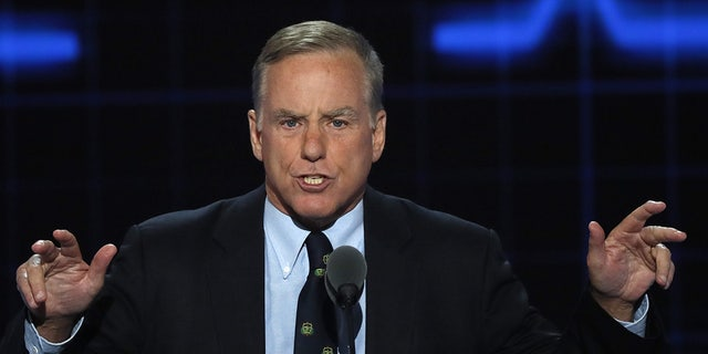 """Former Vermont Gov. Howard Dean Dean made the remarks at a """"Civil Discourse and America"""" panel at Kenyon College."""