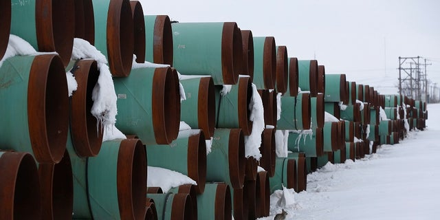 A depot used to store pipes for Transcanada Corp's planned Keystone XL oil pipeline is seen in Gascoyne, North Dakota, January 25, 2017.  REUTERS/Terray Sylvester - RC199BCF1600
