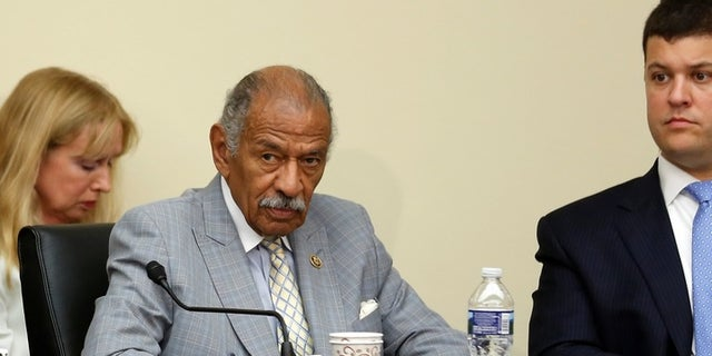 U.S. Representative John Conyers (D-MI) participates in a House Judiciary Committee hearing on Capitol Hill in Washington, U.S. July 12, 2016. Picture taken  July 12, 2016. REUTERS/Jonathan Ernst - RC12A962F670