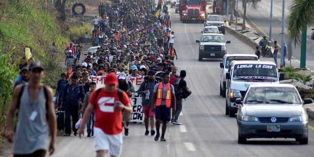 Hundreds of Central Americans marching from the southern state of Mexico to the center and north of the country.