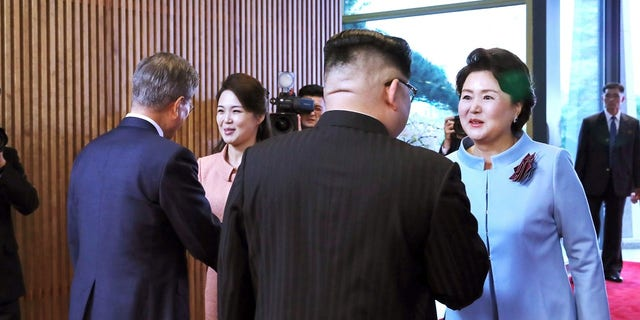 Kim Jong Un, Moon Jae-in and their wives during the South-North Korea summit.