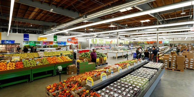 The interior of a 365 by Whole Foods Market grocery store is pictured ahead of its opening day in Los Angeles, U.S., May 24, 2016. REUTERS/Mario Anzuoni - RTSFTXB