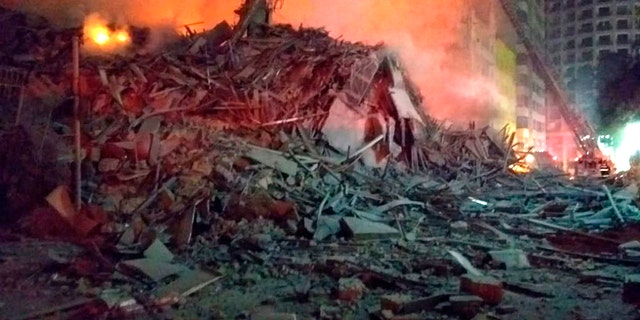The building collapsed. It is unclear how many victims there were.