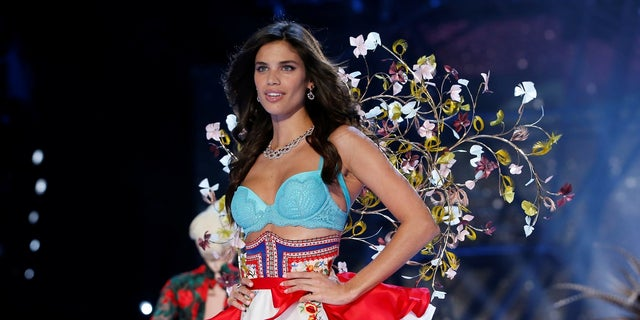 The 2017 Victoria's Secret Fashion Show is expected to include Sara Sampaio.