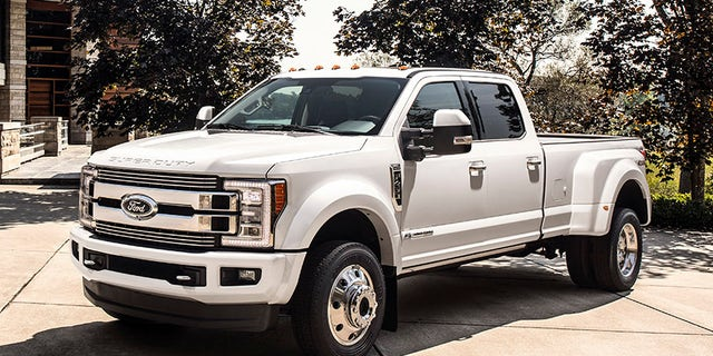 The 2018 F Series Super Duty Limited Is Ford S First 100 000 Pickup