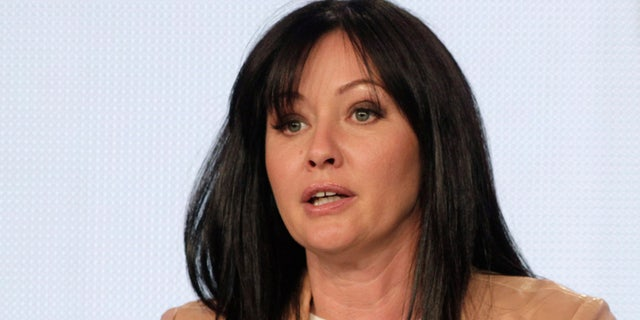 """Actress Shannen Doherty takes part in a panel discussion for the new reality show """"Shannen Says"""" at AMC's TCA Winter Press Tour in Pasadena, California January 14, 2012. REUTERS/Jonathan Alcorn (UNITED STATES - Tags: ENTERTAINMENT) - RTR2WASP"""