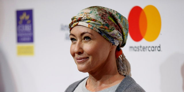 Actress Shannen Doherty announced in an Instagram post on Saturday (April 29) that her breast cancer is in remission.